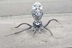 Scrapmetal Kraken - Build from sprockets, chains and machine parts - COLNIC Design